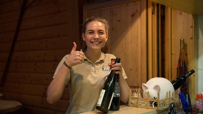 Wein-Service In Der Teamwelt