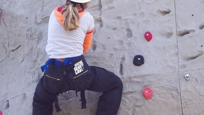 Maedchen Beim Klettern