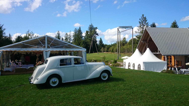 Hochzeitsfeier Mit Trauzeremonie Im Zelt In Der Teamwelt Location Schwarzwald In Baden-Württemberg